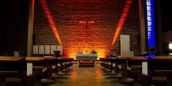 Meditations- und Lichterkirche St. Matthias Deuz
