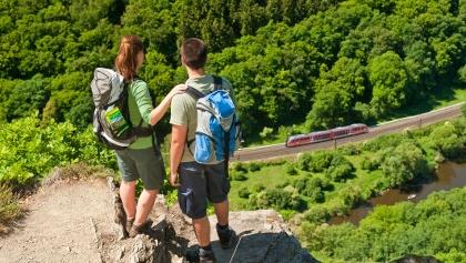 Auf der Wolfsley und im Tal fährt die Lahntalbahn