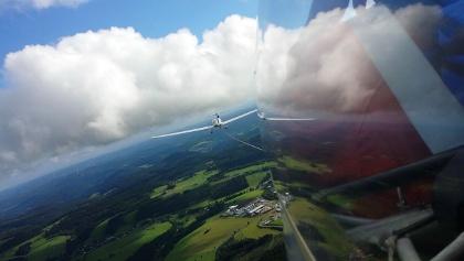 Perspektive wechseln auf dem Flugplatz Schameder