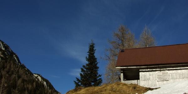 Hunting lodge beneath the Stara Utra Mountain pasture