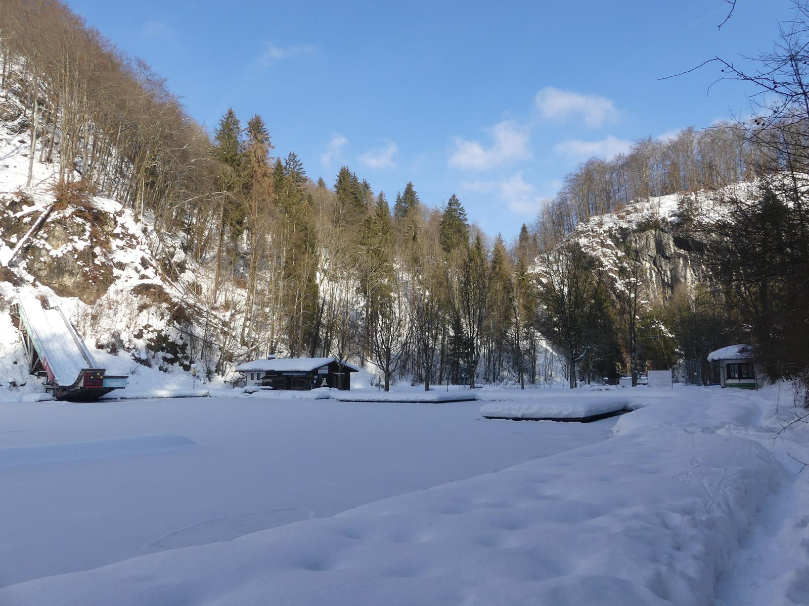 Luegsteinsee mit Rundwanderweg
