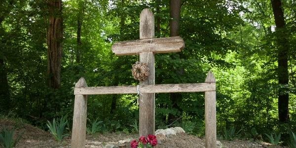 Pali betyár sírja Kisdennapusztán