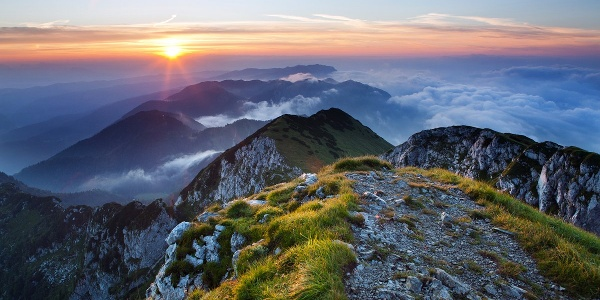 L'alba sul monte Črna prst