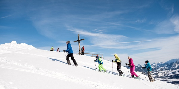 Gipfel erreicht! Schneeschuhwandern zum Ofterschwanger Horn