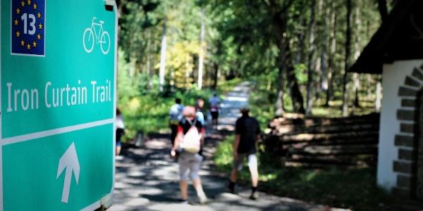 velo13-iron-curtain-trail-husky-wandern-husky-trekking