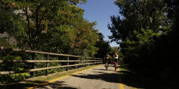 Lungo la pista ciclabile da Pietramurata verso Sarche