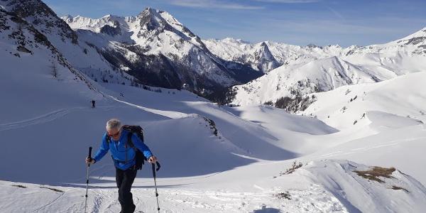 Blick zurück. Im Hintergrund das Weißeck 2711m