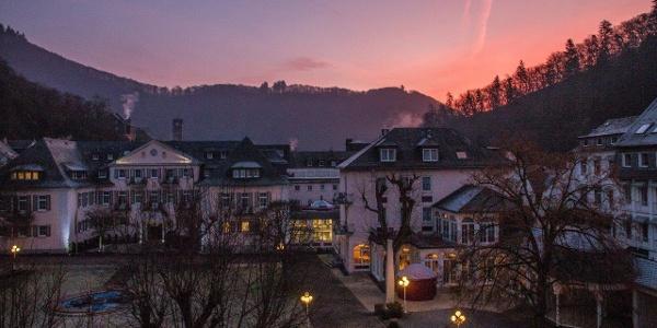 Start in den Tag: Der Morgen graut über Bad Bertrich, uns graut beim Gedanken an Minustemperaturen und Nebel im Moseltal