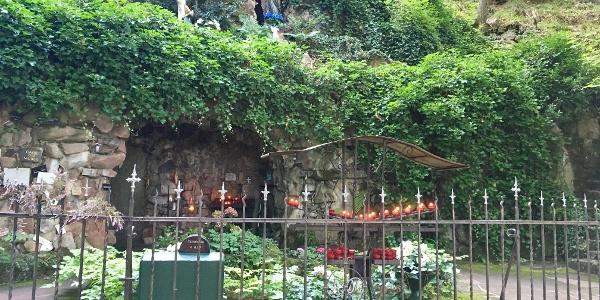 Die Lourdesgrotte