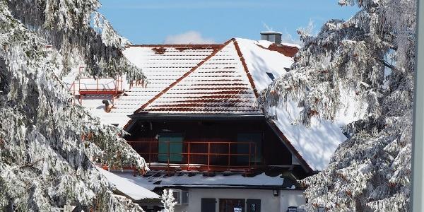 Das Wanderheim im Winter