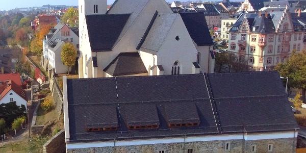 Das Ensemble der Johanniskirche und des Konventgebäudes aus der Luft