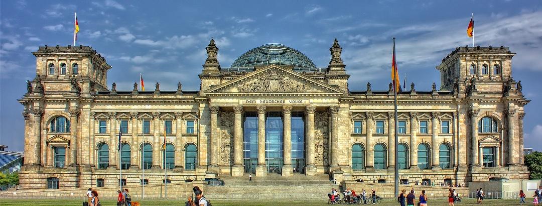 Edifício do Reichstag na Praça da República em Berlim