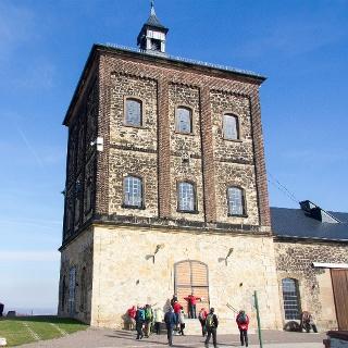 Der Malakowturm des Marienschachtes Neucunnersdorf ist heute ein technisches Denkmal.