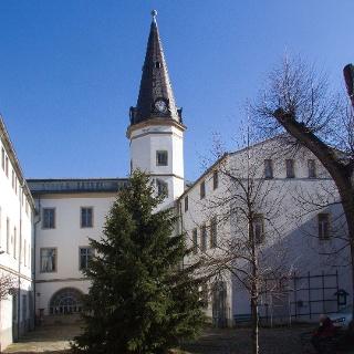 Schloß Nöthnitz: Innenhof mit Treppenturm