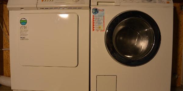 Waschmaschiene und Trockner zur Mitbenutzung