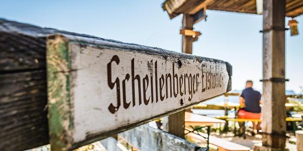 <![CDATA[Aussichtsreiche Terrasse der Toni-Lenz-Hütte]]>