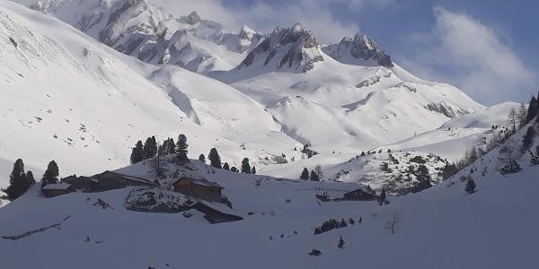Links zur Schneespitze- rechts zur Dreieck-Spitze