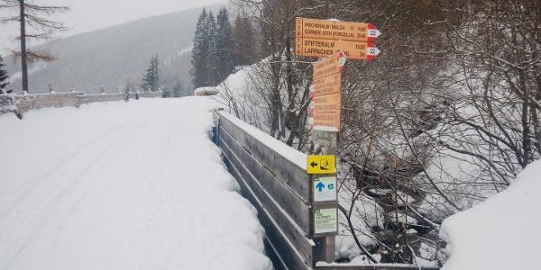 Abzweigung von Schlittenbahn auf Weg Nr. 22