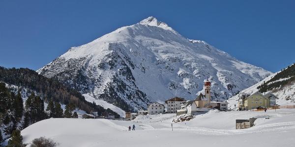 Bergsteigerdorf Vent - mit Blick zur Übungsloipe