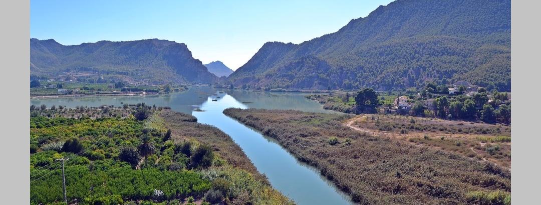 Bonita naturaleza que invita a ciclistas en la región de Murcia