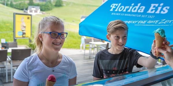 Eis essen in Oberwiesenthal