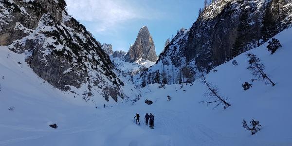 Enger Talgraben nach Talschlusshütte, in Bild Mitte der Hohe Leist