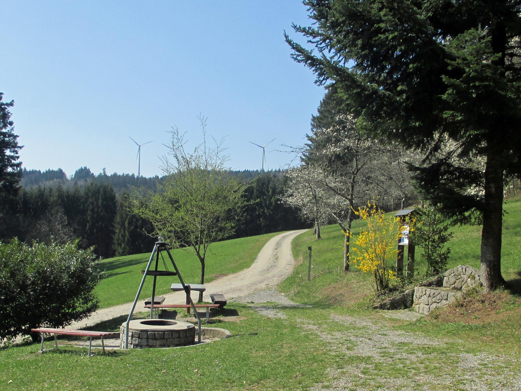 Grillstelle und Brunnen bei der Schirrmaierhütte
