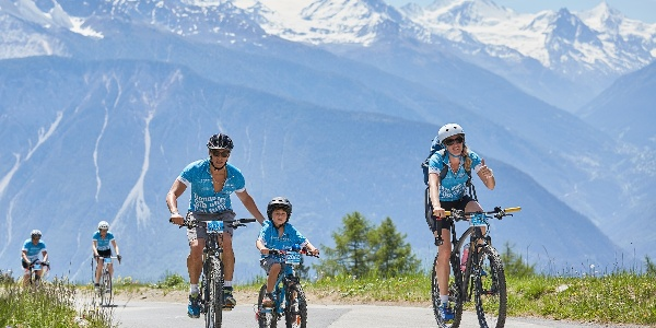 Familie mit dem Fahrrad