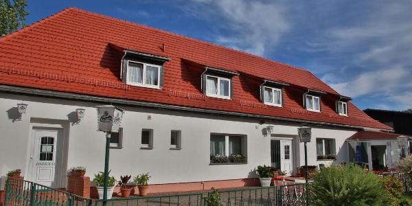 LandhausNassau_Innenhof-Terrasse
