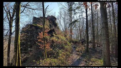 "Rückblick am Weg zwischen Felsen ""Ronde Roche"" und Felsen ""Plate Roche"" auf der Crêtes de Frahan"