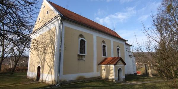 Az alsőpetényi templom a 15. században épült