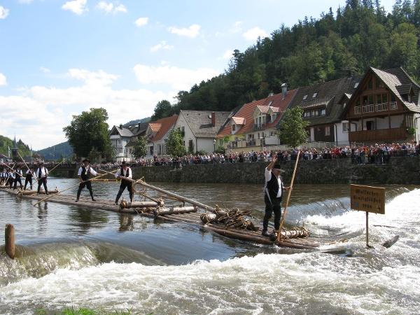 Floßfahrt in Wolfach