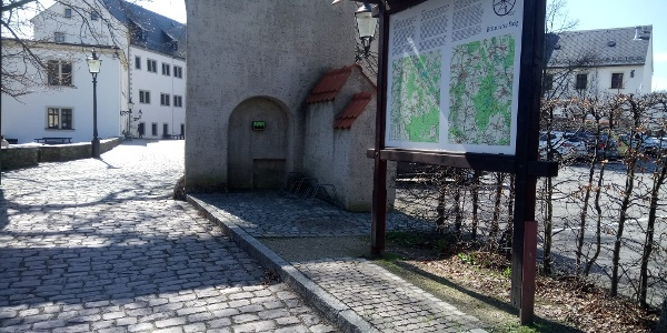 E-Bike Ladestation am Schlosstor