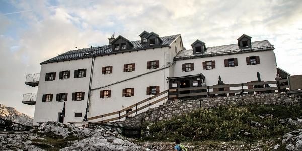 <![CDATA[Das Riemannhaus: Wichtiger Stützpunkt im Steinernen Meer]]>