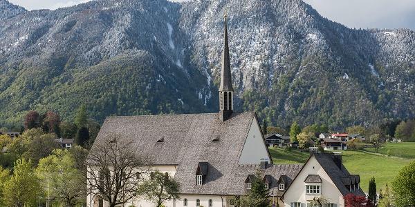 Katholische Pfarrkirche St. Nikolaus von der Flüe | Bayerisch Gmain