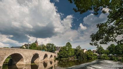 Alte Lahnbrücke mit Dom