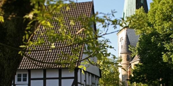 Café zur Linde und die Kirche St. Lambertus Langenberg