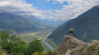 Aussichtspunkt am Culmine di Dazio ins Valtellina nach Norden