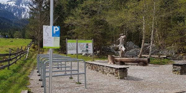 Wanderportal Eschachalm mit Abstellplätzen für Mountainbikes