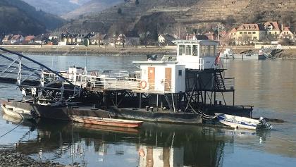Ferry between Spitz and Hofarnsdorf