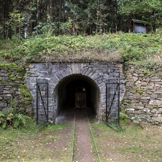 Bergbaulandschaft Hoher Forst  bei Kirchberg - Mundloch Engländerstolln