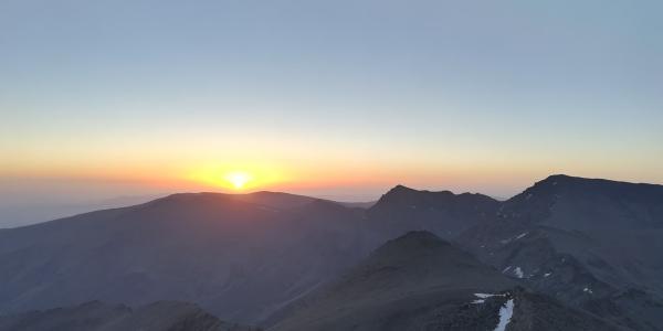 Sonnenaufgang über der Sierra Nevada