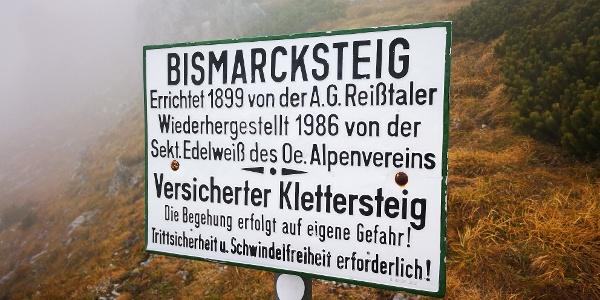 Abzweigung am Waxriegel zum versicherten Bismarcksteig