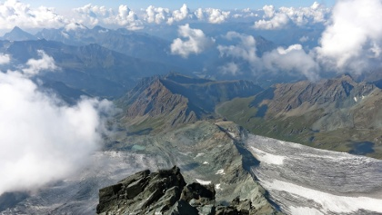 Blick entlang des Stüdlgrates nach Süden