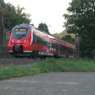 Monrealer Ritterschlag_Bahnhof