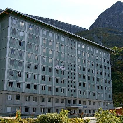 Hôtel du Barrage.