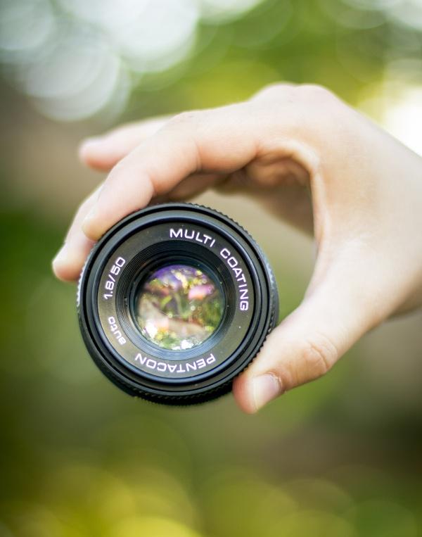 Tekijänoikeudet ja käyttöoikeudet suojaavat kuvia ja videoita luvattomalta käytöltä.