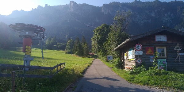 Startpunkt der Tour am Skilift an der Tegelberg Talstation