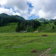Blick aus dem Tal Richtung Alpe Melköde