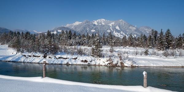 Der Wilfluss Isar im Winter